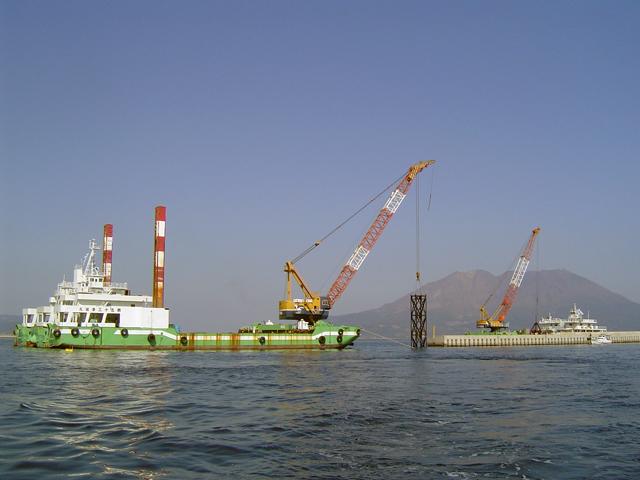 鹿児島港(中央港区)防波堤沖築造工事